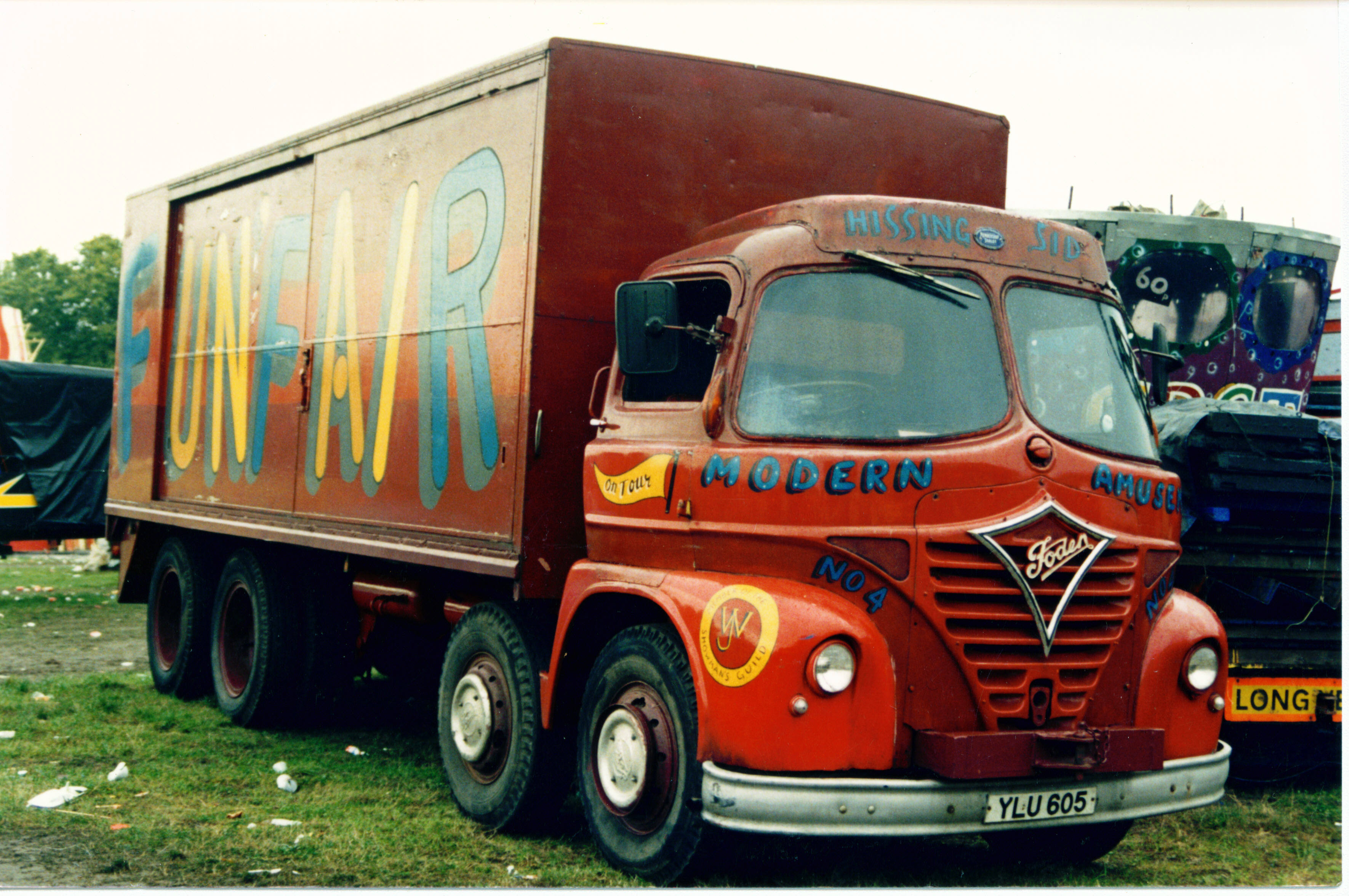 image of an 8 wheeled Foden rigid lorry